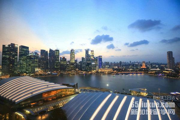 去新加坡念研究生多少钱