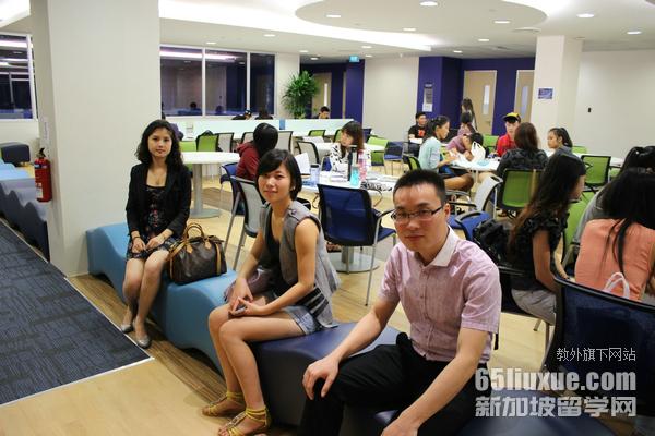 新加坡读物流管理专业学费
