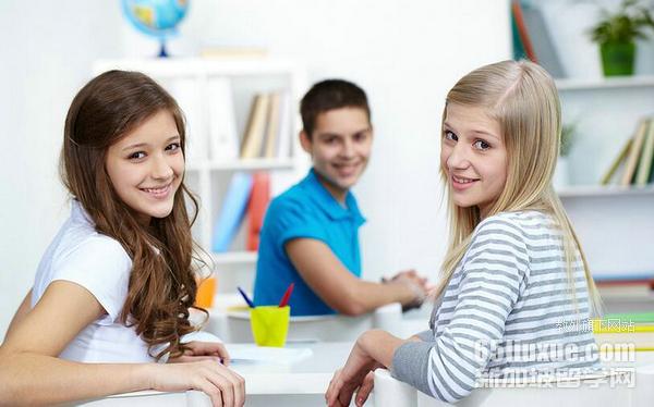 新加坡公办高中留学条件