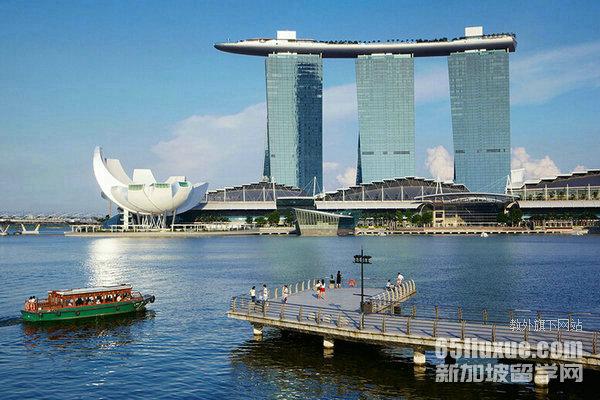 新加坡研究型硕士和授课型硕士比较
