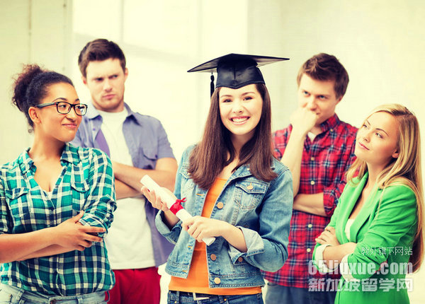 新加坡私立学校留学需要几年