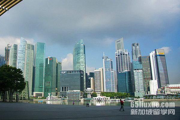 新加坡每月生活费