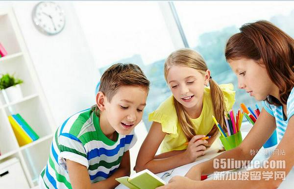 新加坡读中学寄宿家庭费用