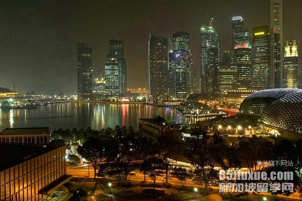 新加坡大专文凭
